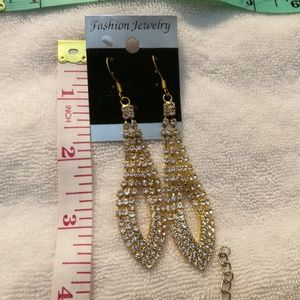 Sparkling earrings, brand new